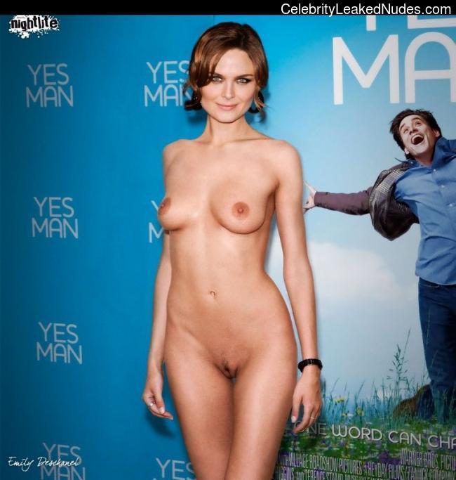 fake nude celebs Emily Deschanel 2 pic