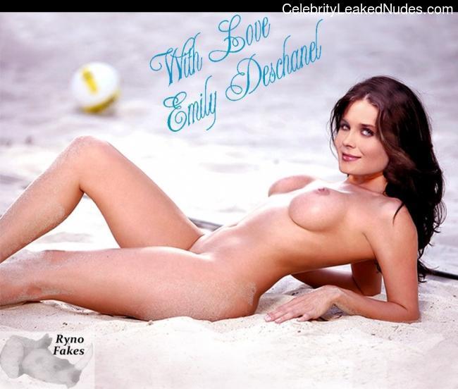 Nude Celeb Emily Deschanel 26 pic