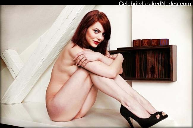 Hot Naked Celeb Emma Stone 3 pic