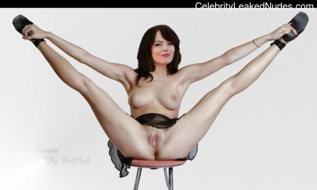 Famous Nude Emma Stone 4 pic