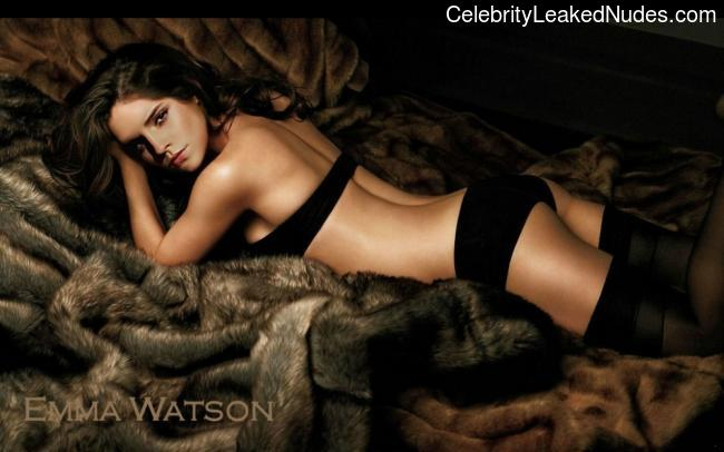 Naked Celebrity Emma Watson 20 pic