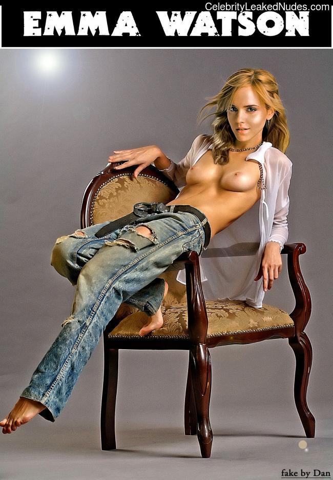 Nude Celeb Emma Watson 23 pic