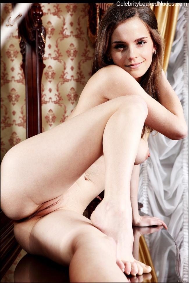 Nude Celeb Emma Watson 14 pic
