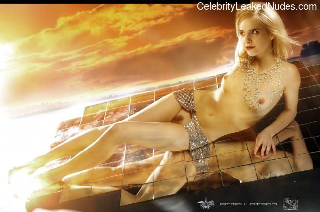 Naked Celebrity Emma Watson 19 pic