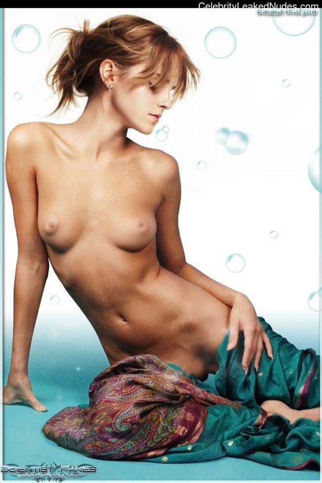 nude celebrities Emma Watson 22 pic