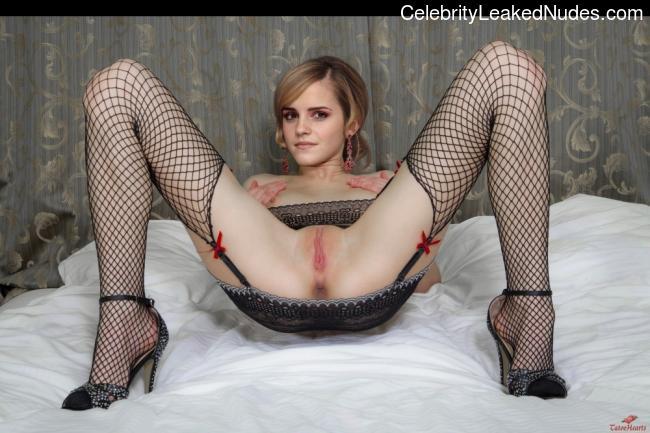 Free Nude Celeb Emma Watson 17 pic