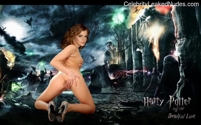 Naked Celebrity Emma Watson 15 pic