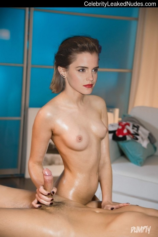 Famous Nude Emma Watson 24 pic