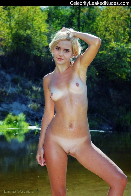 Nude Celeb Emma Watson 7 pic