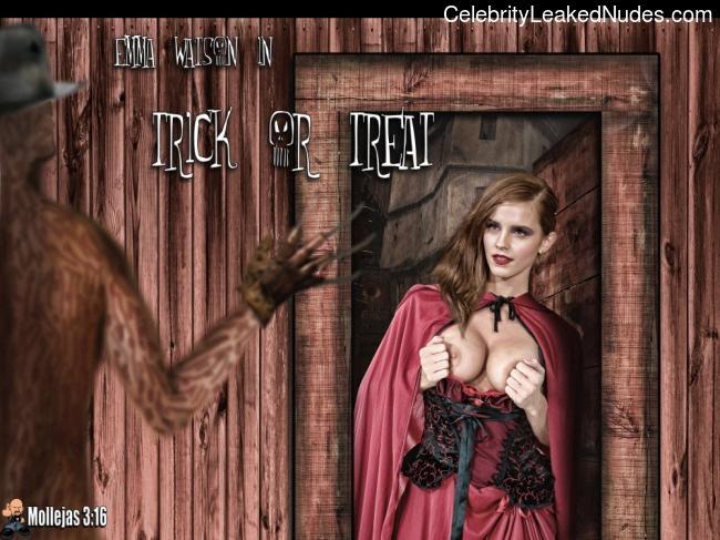 Free Nude Celeb Emma Watson 22 pic