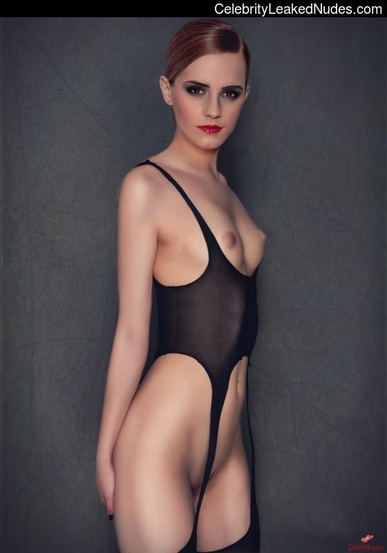 naked Emma Watson 25 pic