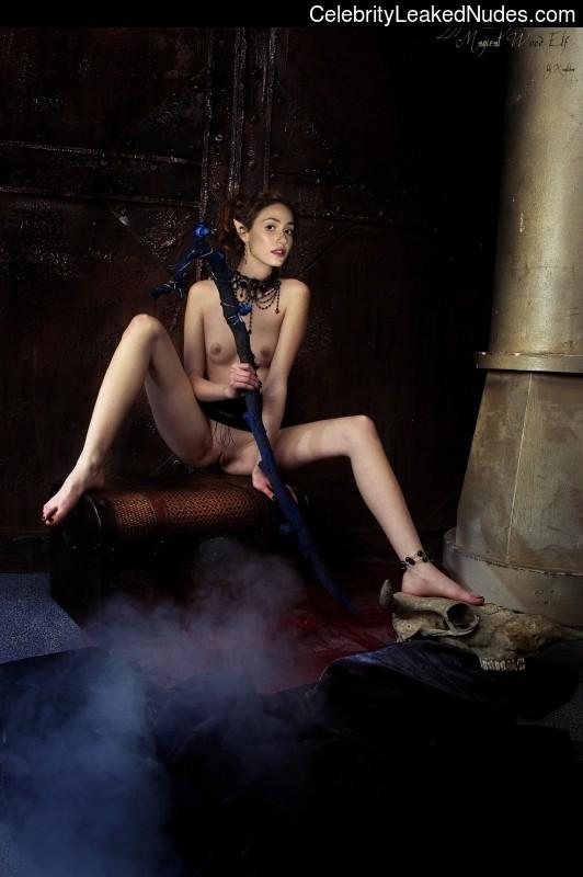 Free Nude Celeb Emmy Rossum 14 pic