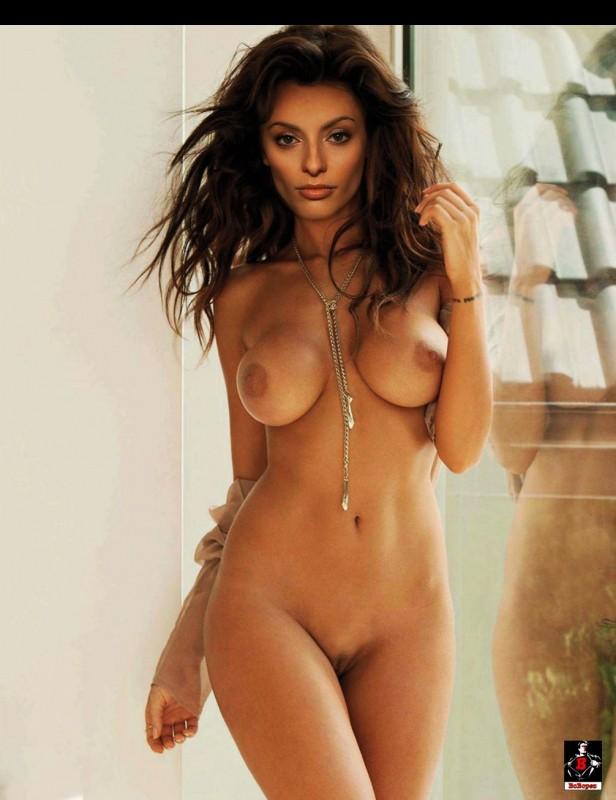 Erica Cerra naked celebrity pics