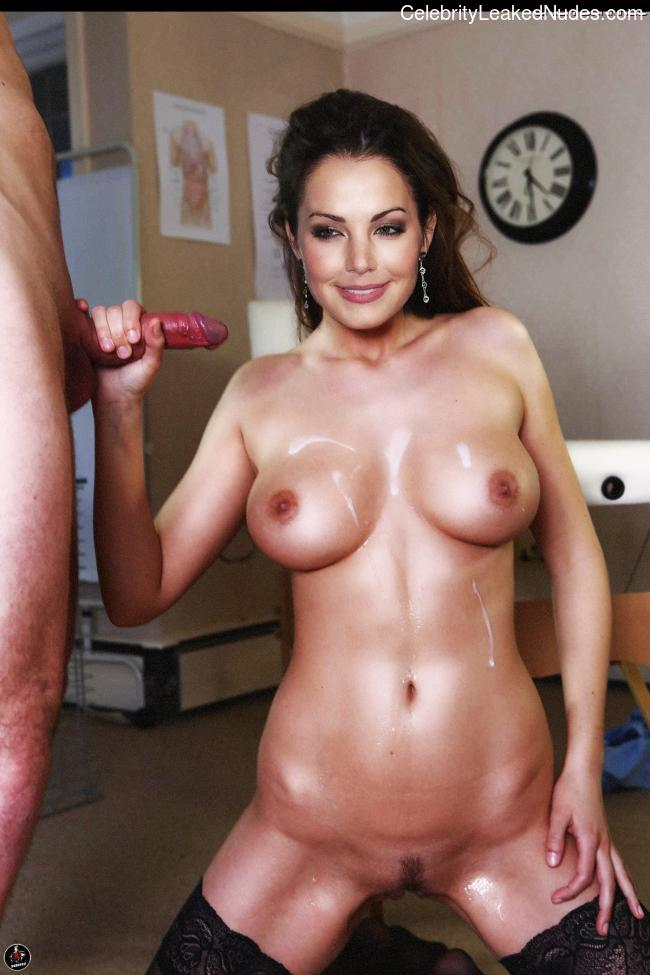 Naked Celebrity Pic Erica Durance 4 pic