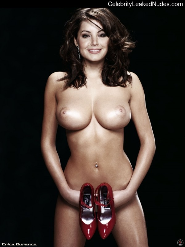 Naked celebrity picture Erica Durance 1 pic