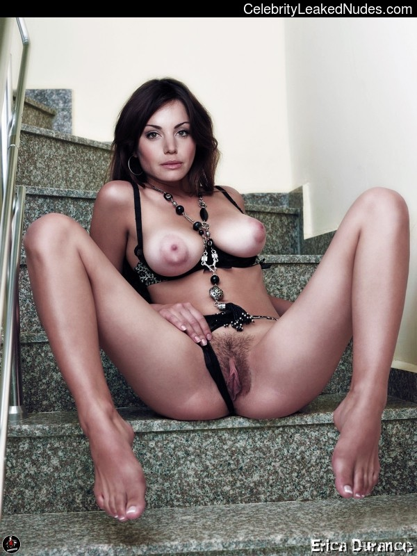 Famous Nude Erica Durance 5 pic