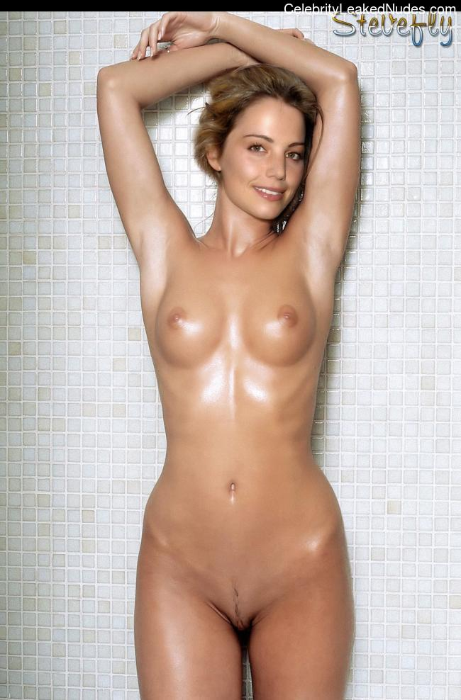 Newest Celebrity Nude Erica Durance 12 pic