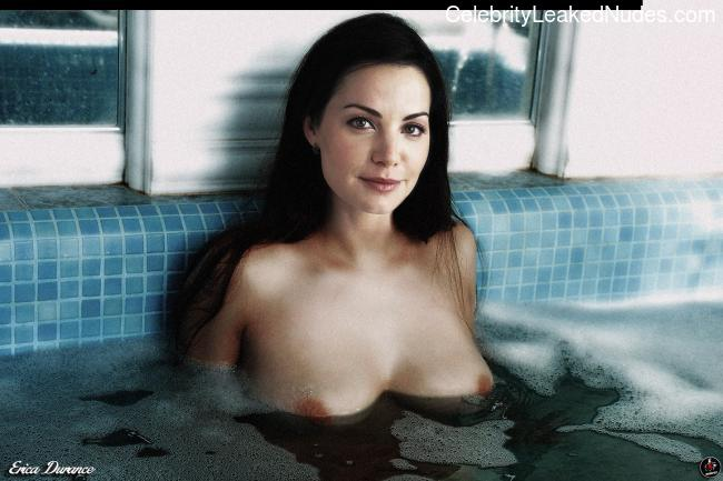 Celeb Nude Erica Durance 15 pic
