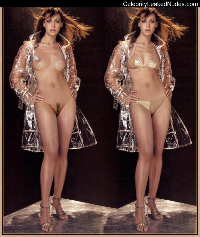 Naked Celebrity Eva González 4 pic