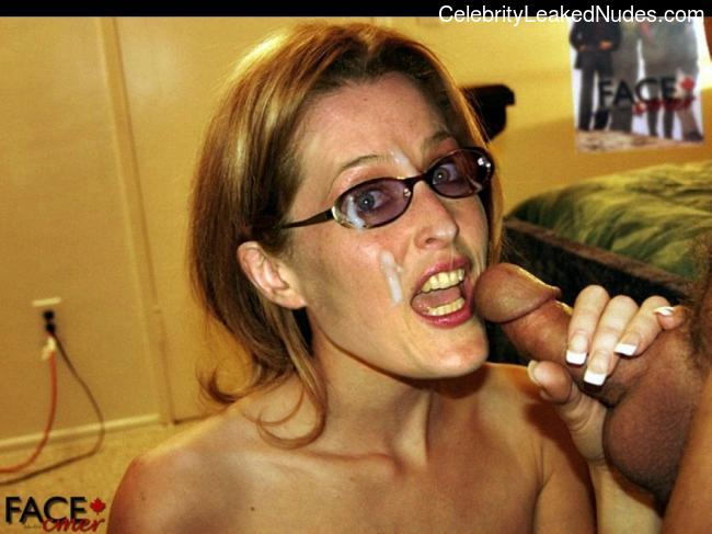 naked Gillian Anderson 18 pic