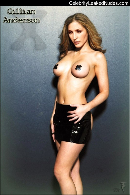 Celebrity Leaked Nude Photo Gillian Anderson 19 pic