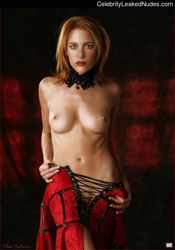 Newest Celebrity Nude Gillian Anderson 20 pic