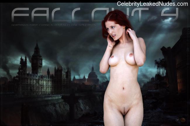 fake nude celebs Gillian Anderson 13 pic