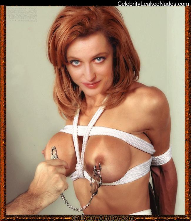 Nude Celeb Gillian Anderson 15 pic