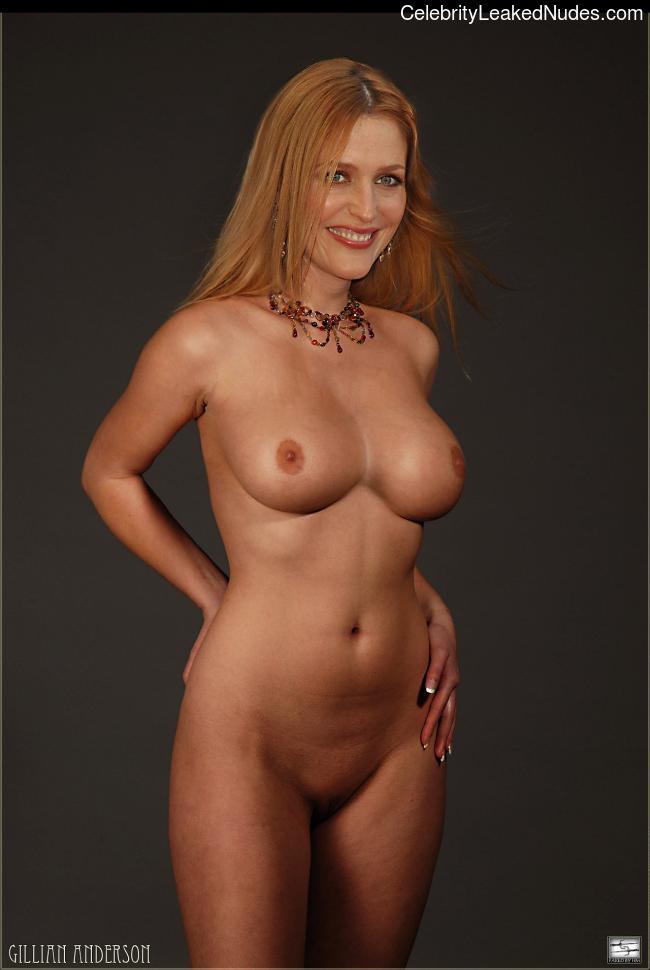 Nude Celeb Gillian Anderson 25 pic