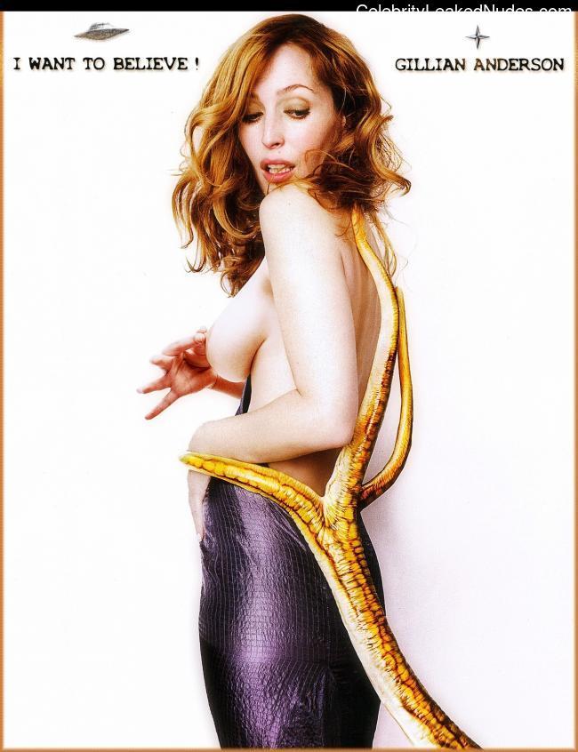 Nude Celebrity Picture Gillian Anderson 26 pic