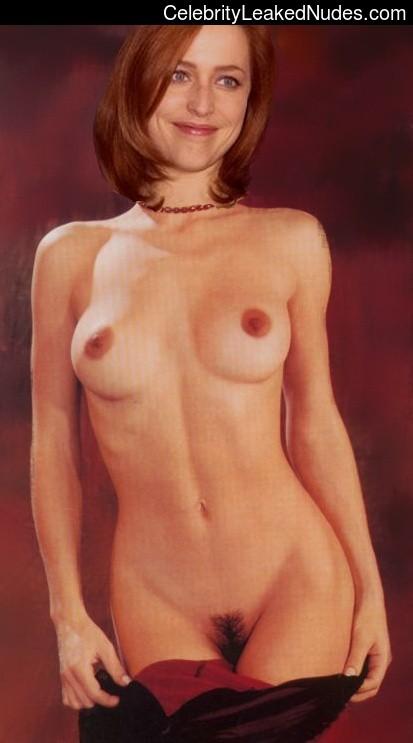 Free Nude Celeb Gillian Anderson 7 pic