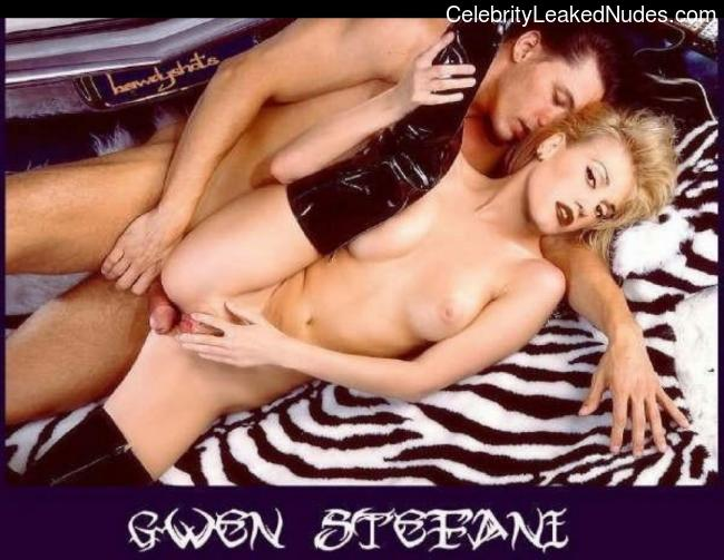 Famous Nude Gwen Stefani 29 pic