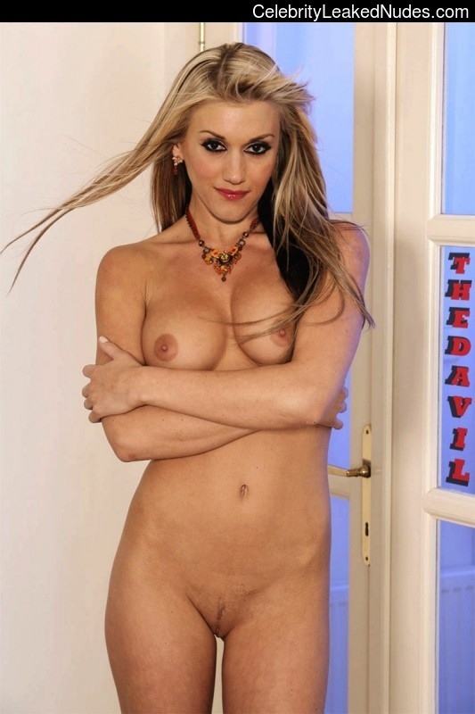 Nude Celeb Pic Gwen Stefani 4 pic