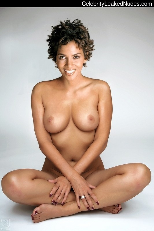 Halle Berry nude celebrity pictures