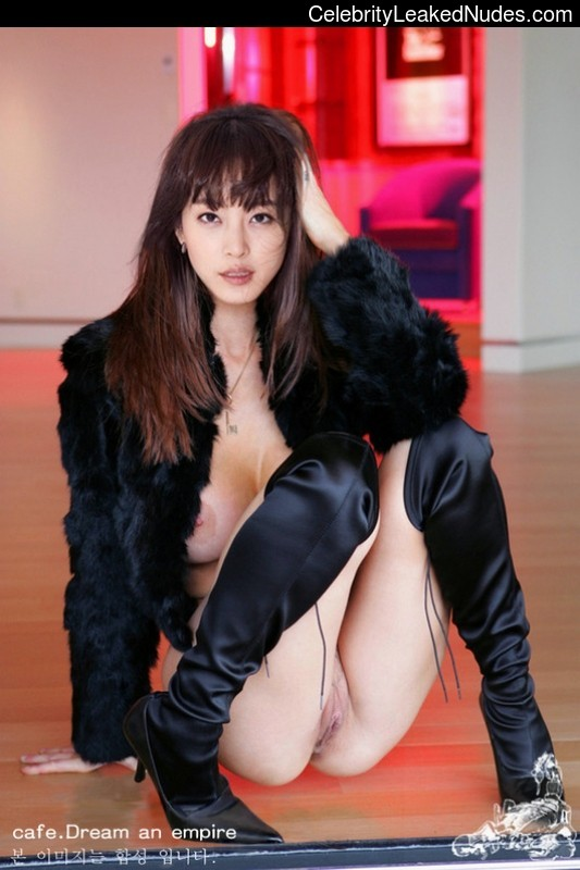 Han Ye Seul nude celebs