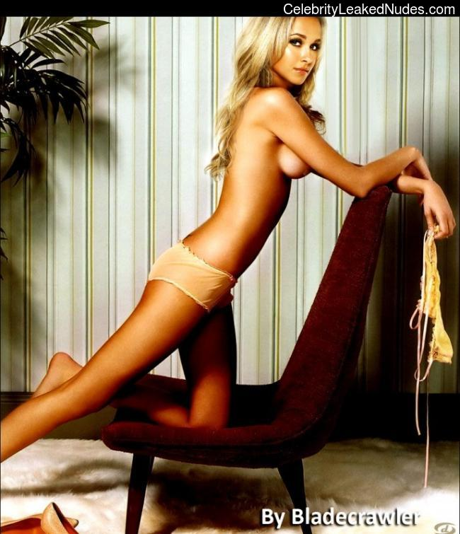 Celebrity Naked Hayden Panettiere 1 pic