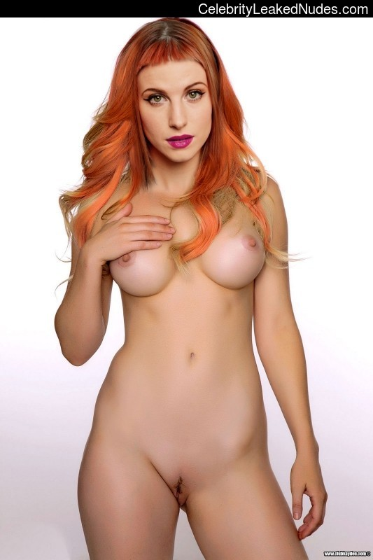 Celebrity Nude Pic Hayley Williams 2 pic