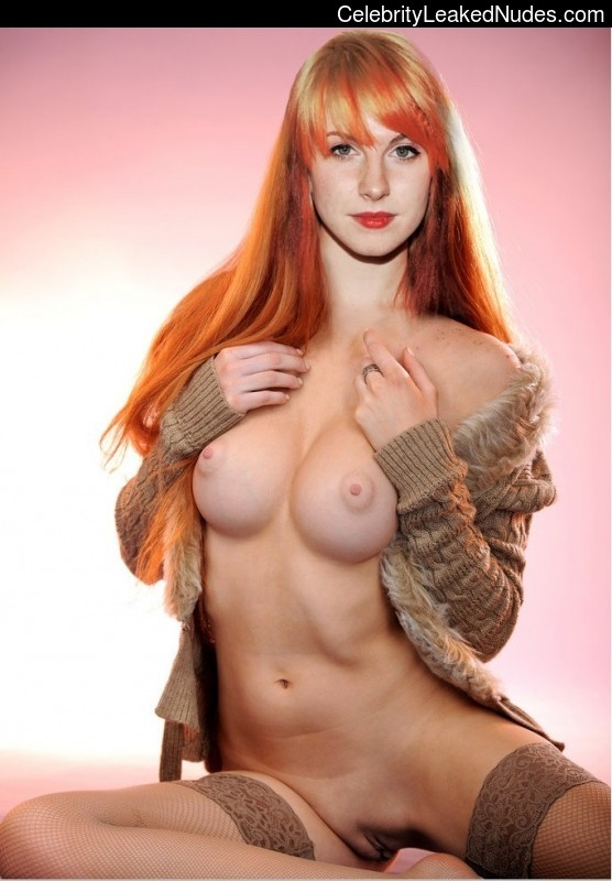 Celebrity Leaked Nude Photo Hayley Williams 3 pic