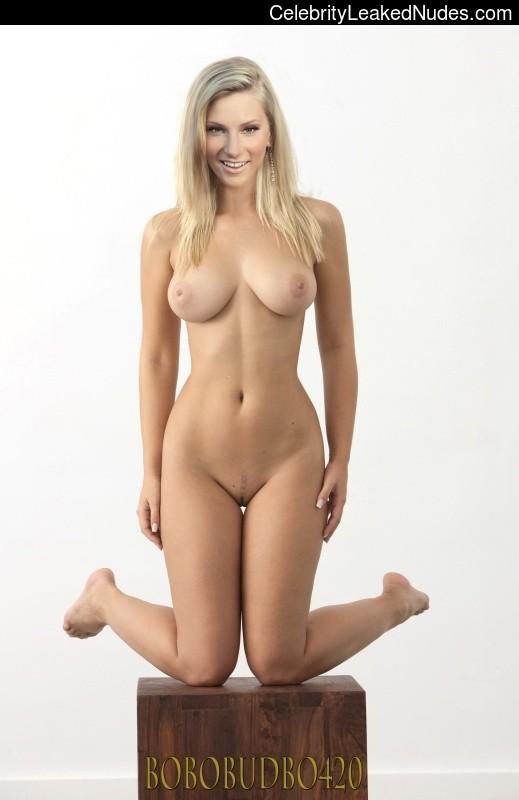 Nude Celeb Heather Morris 4 pic