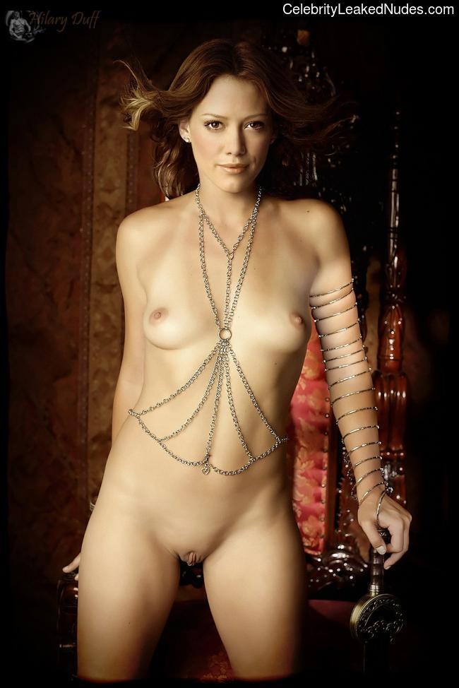 Nude Celeb Hilary Duff 14 pic