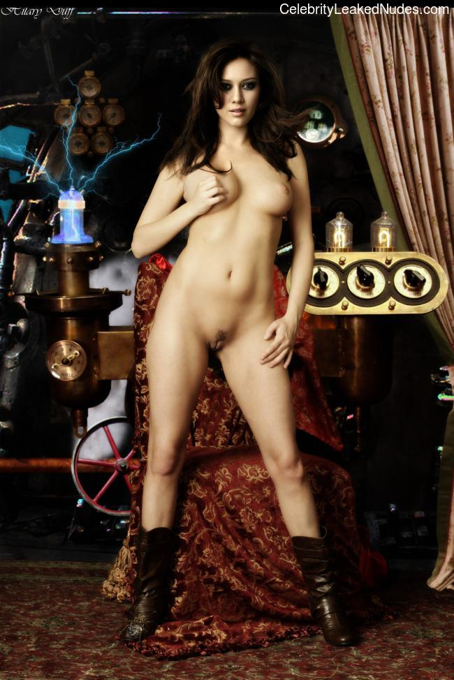 Nude Celeb Hilary Duff 17 pic