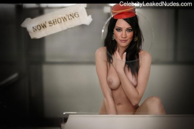 celeb nude Hilary Duff 25 pic
