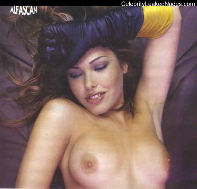 Ilary Blasi celeb nudes