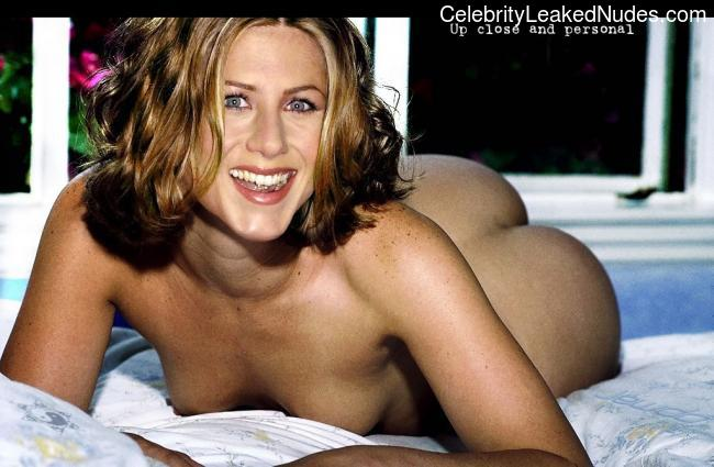 Hot Naked Celeb Jennifer Aniston 27 pic