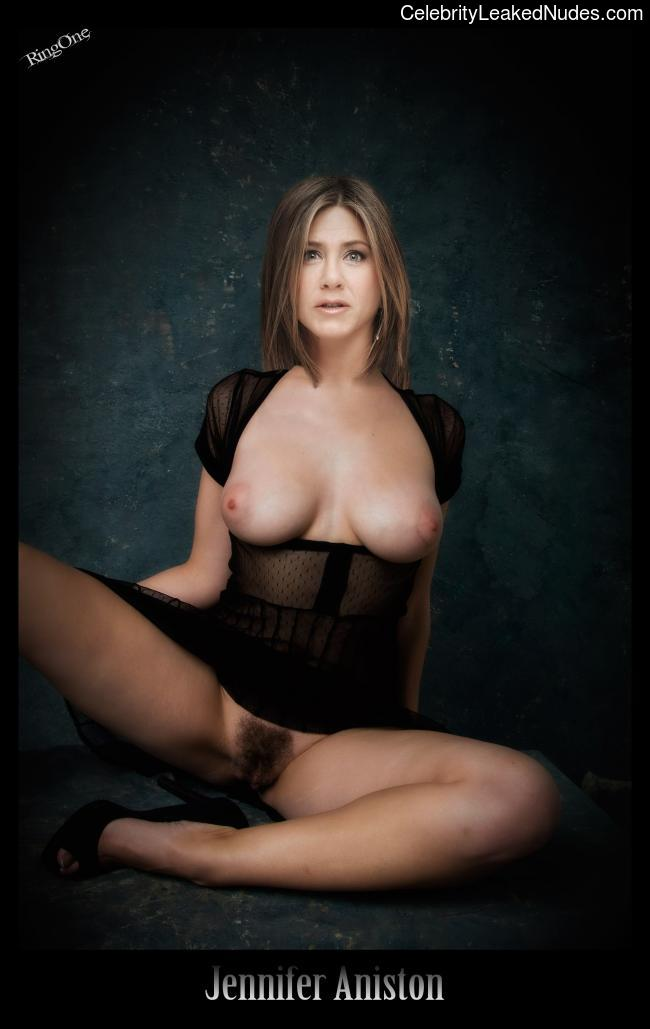 Free nude Celebrity Jennifer Aniston 2 pic