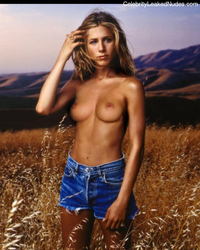 Famous Nude Jennifer Aniston 28 pic