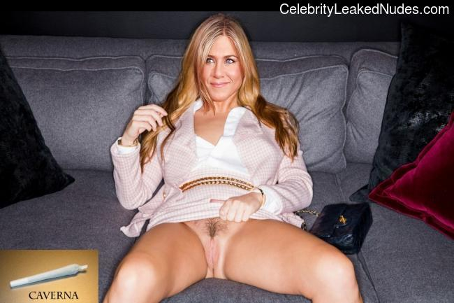 Nude Celebrity Picture Jennifer Aniston 8 pic