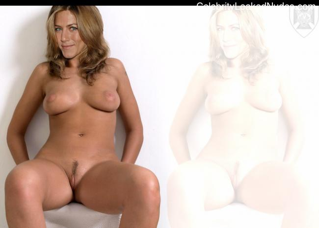 naked Jennifer Aniston 18 pic