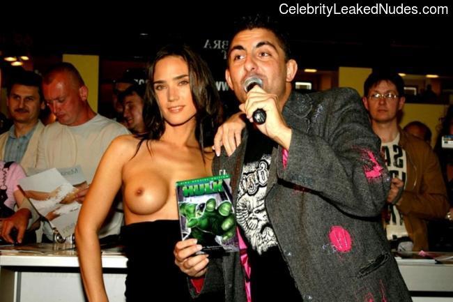 Naked Celebrity Jennifer Connelly 10 pic