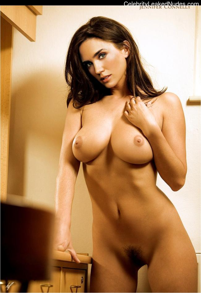 Real Celebrity Nude Jennifer Connelly 1 pic